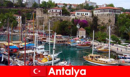 Turcia Antalya statiune pe coasta mediteraneană