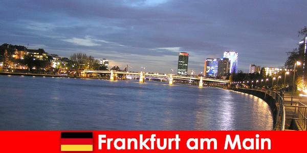 Excursii exclusive de lux în orașul Frankfurt pe Main în Hoteluri Nobel