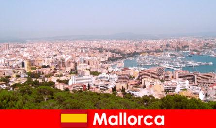 O viață de pensionari în Mallorca