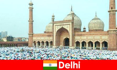 Delhi o metropolă din nordul Indiei caracterizată prin clădiri musulmane de renume mondial