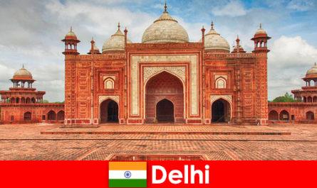 Care sunt cele mai bune obiective turistice din India pot fi găsite de către călători în Delhi