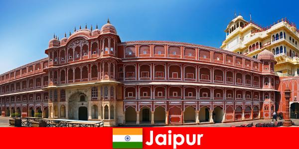 Cele mai extraordinare arhitecturi atrag mulți turiști la Jaipur