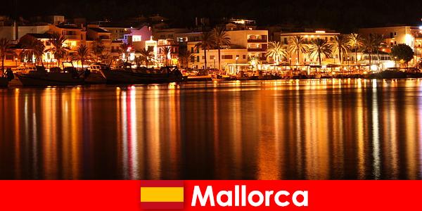 Viata de noapte în Mallorca cu femei frumoase de la scena erotica