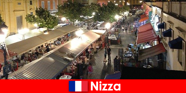 Nisa oferă restaurante confortabile și o viață de noapte bine îngrijită pentru străini