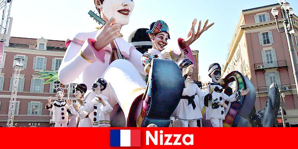 Atracție turistică în Nisa cu copii și scoate în evidență mare