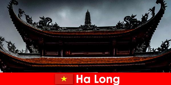 Ha lung este numit un oraș de cultură printre străini