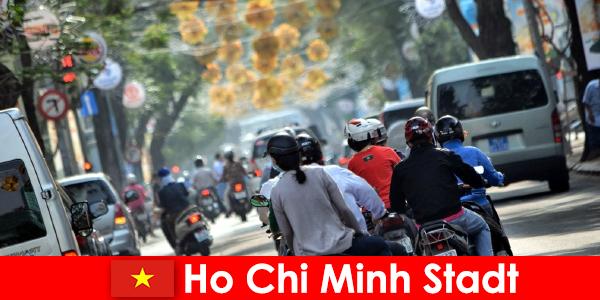 Ho Chi Minh City HCM sau HCMC sau HCM City este renumit ca Chinatown