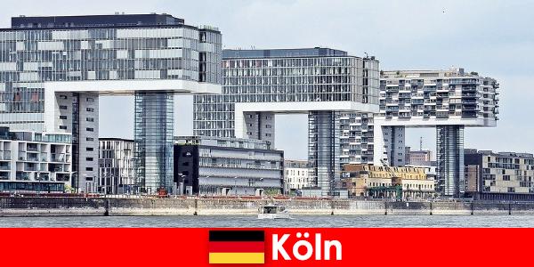 Clădiri impresionante din Köln uimesc străinii