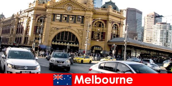 Cea mai mare piață în aer liber din Melbourne în emisfera sudică un loc de întâlnire pentru străini