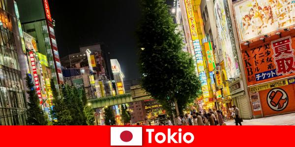 Clădirile moderne și templele antice fac tokyo de neuitat pentru străini călătoria