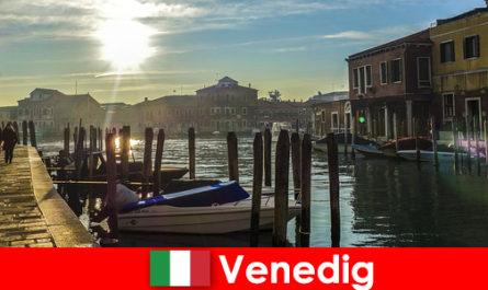Vizitatorii experimentează istoria Veneției la o plimbare de aproape