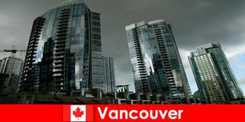 Vancouver în Canada este întotdeauna o destinație pentru clădiri impresionante pentru străini