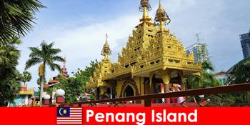Experiență de top pentru turiștii străini în complexele de temple din Insula Penang