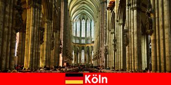 Pelerinaj pentru străini la cei trei sfinți împărați din Catedrala din Köln