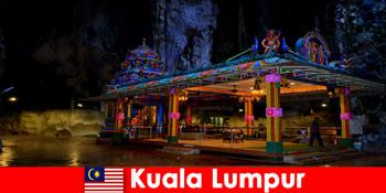 Kuala Lumpur Malaezia permite călătorilor să obțină perspective profunde asupra peșterilor antice de calcar