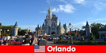 Vacanță de familie cu copii la Disneyland Orlando Statele Unite parc tematic