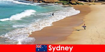 Surf turisti se bucură de lovitura finală în Sydney Australia