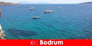 Vacanță de lux pentru străini în frumoasele golfuri din Bodrum Turcia