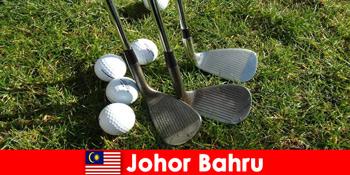 Sfat insider - Johor Bahru Malaezia are multe terenuri de golf magnifice pentru turiști activi