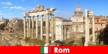 Excursii cu autobuzul pentru oaspeții europeni la săpăturile și ruinele antice din Roma Italia